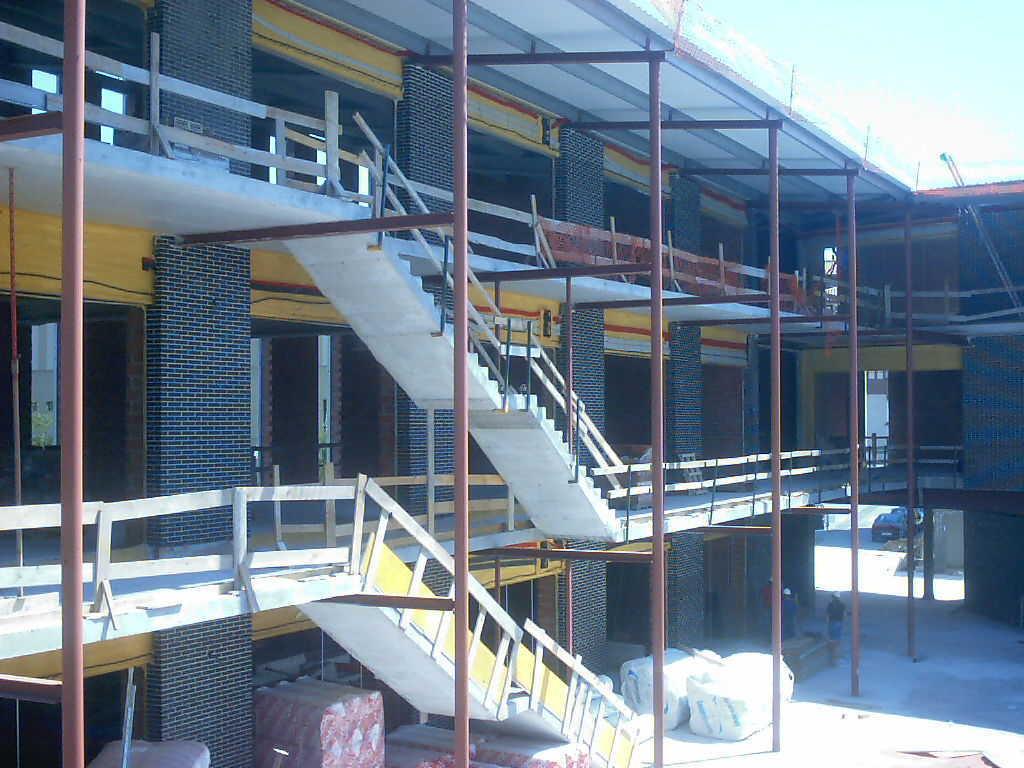Edificio polivalente de servicios en Muskiz (Vizcaya)</br></br> 2004</br></br><h4>Cliente: Virai Arquitectos S.L. (Juan Herranz)</h4>