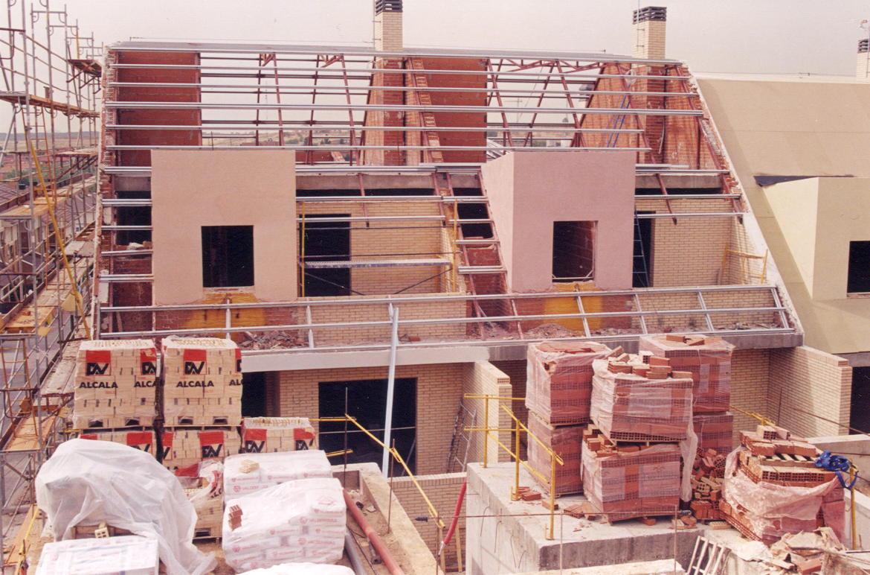 19 viviendas adosadas en parcela U-7 del P.P. «La Horca» (Madrid)</br></br> 2000</br></br><h4>Cliente: José María Sierra</h4>